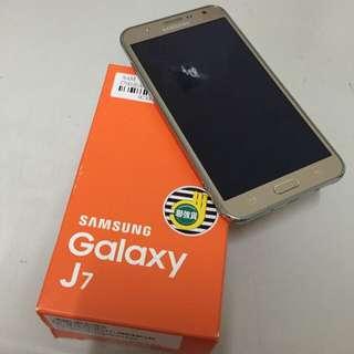 Samsung J7 八核心智慧型手機