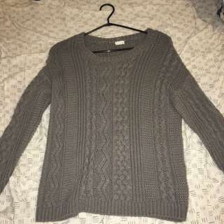 Thick Garage Knot Sweater