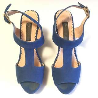 FOREVER NEW Wedges Size 5/36