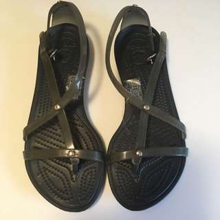 CROCS Women's Sandals Size 4
