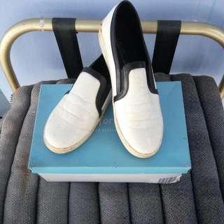 Sepatu Slip On les Femmes