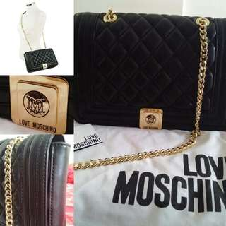 Authentic! LOVE MOSCHINO Quilted Medium Shoulder Bag (Authentic)