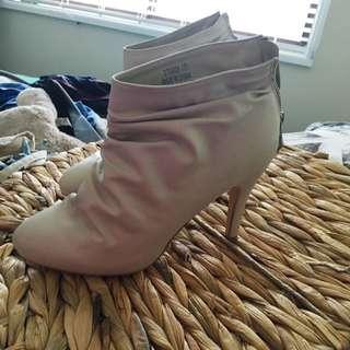 Tempt Boots