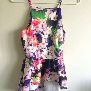 Beautiful Valley girl Floral