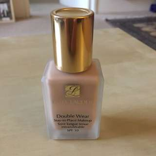 Estée Lauder Double Wear Foundation - Cool Bone