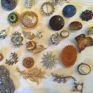 Assorted Dress Broaches