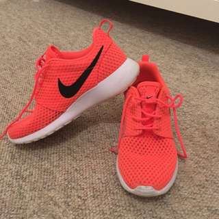 Bright Pink Nike Roshe Runs