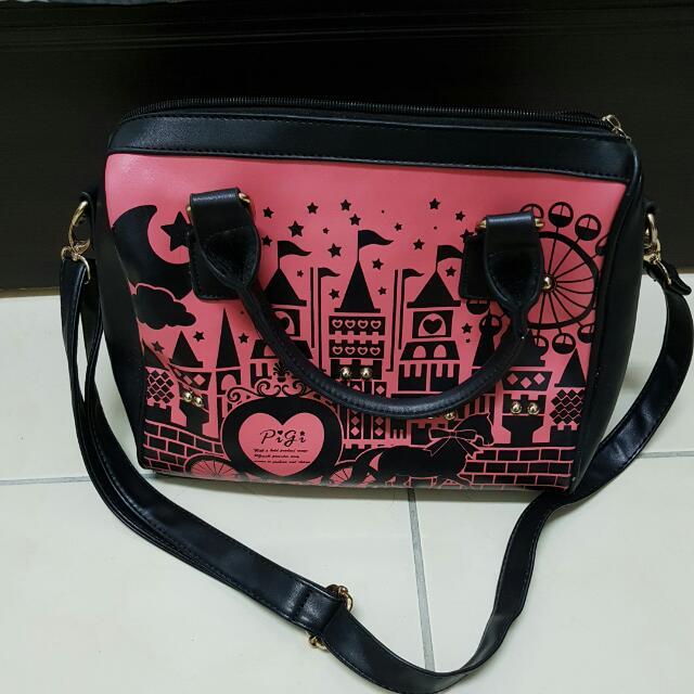 粉色城堡手提側背包
