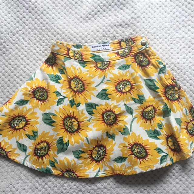 Daisies Skirt - American Apparel