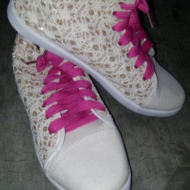 High-cut Shoes