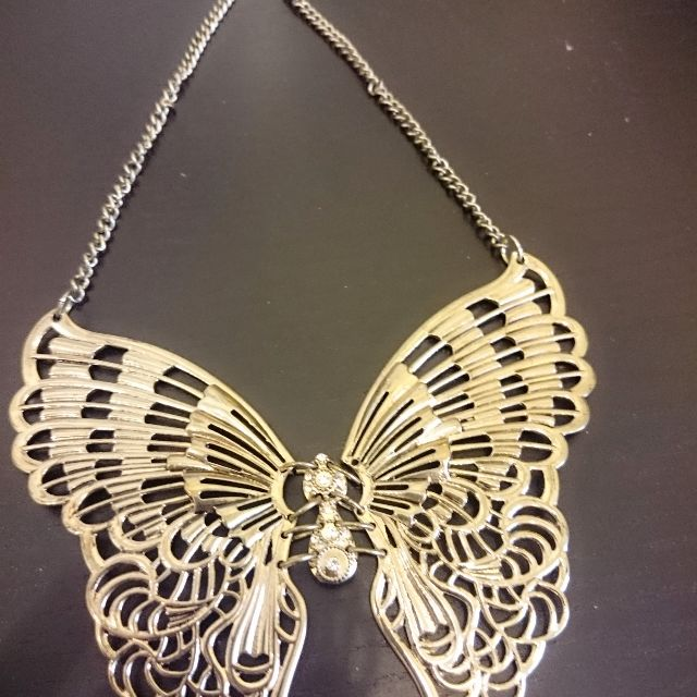 Kalung rustic butterfly