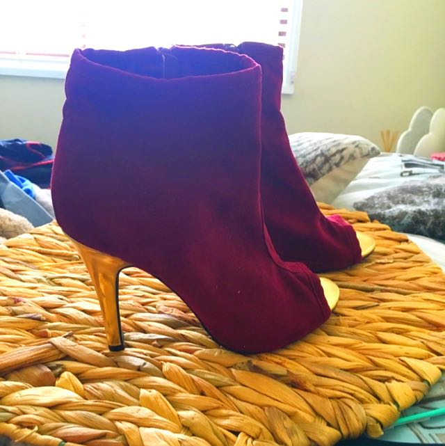 Maroon And Gold Heels