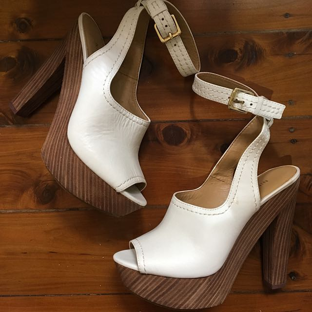 NINE WEST Wooden Peephole Platforms With Ankle Strap Size 6.5