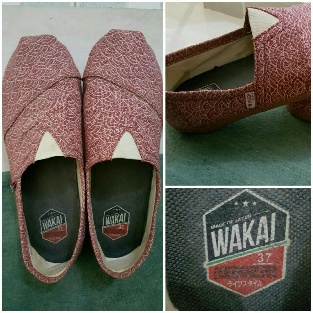WAKAI RED SHOES