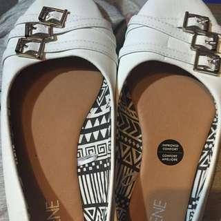 Brand New Ardene Flats - Size 7
