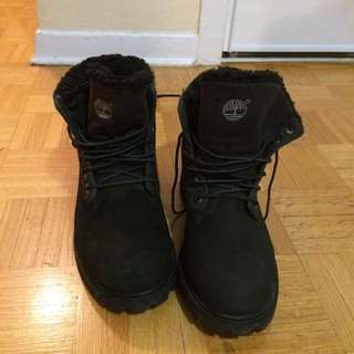 Black Timberlands US size 7