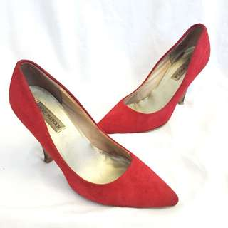 Steve Madden Red Suade Pumps