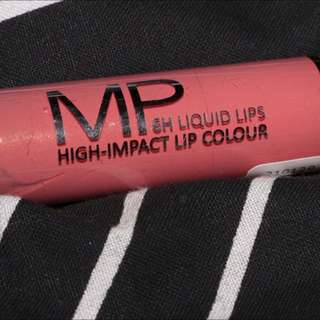 Models Prefer Liquid Lipstick