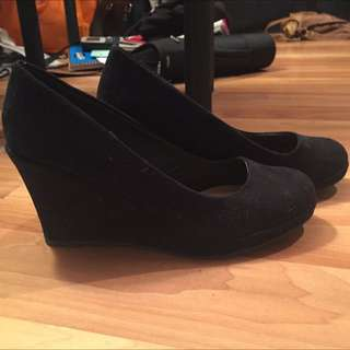 Black Wedges, Size 8