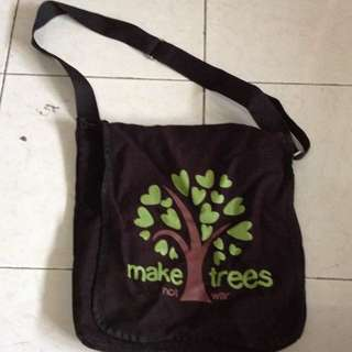 Make trees sling bag
