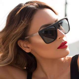 QUAY Desi Perkins On The Low Sunglasses