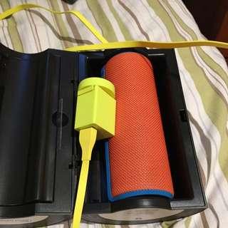 UE 2 Bluetooth Speaker