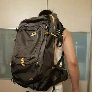MOUNTAINSMITH Hiking Bagpack