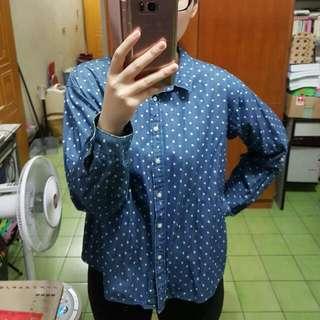 Uniqlo 藍底白點簡約襯衫
