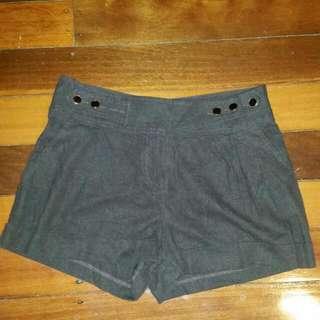 Brown Shorts Size 6-8 Uk