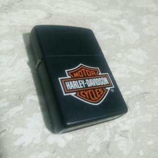 Zippo Original... Harley Davidson Design...
