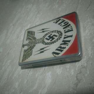 Classic Cigarette Casing