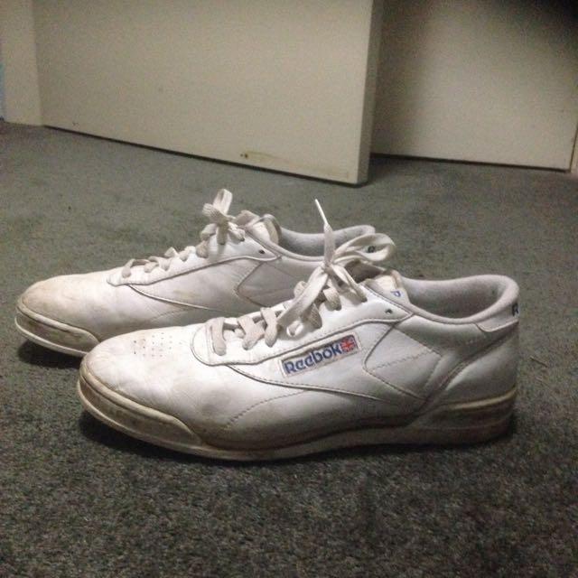 90's Reebok Sneakers - Size 10