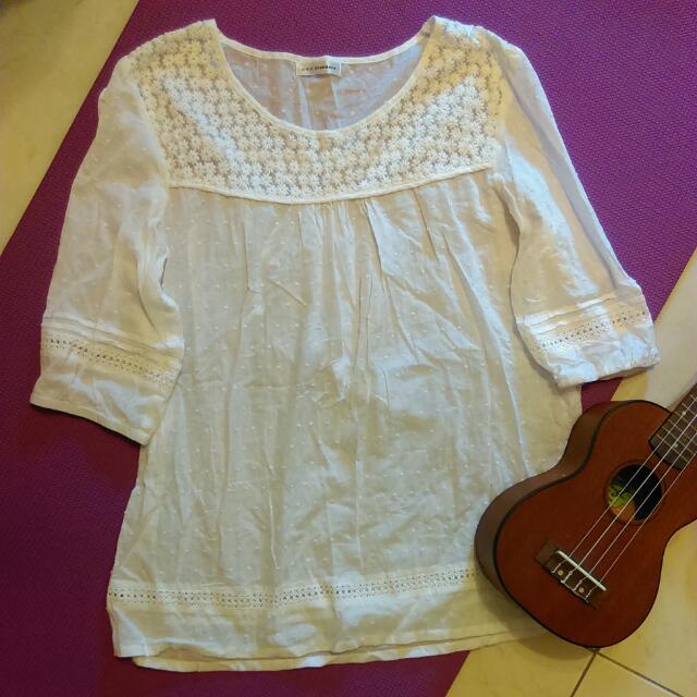 a.v.v standard 日本製白色剌繡小花七分袖短洋