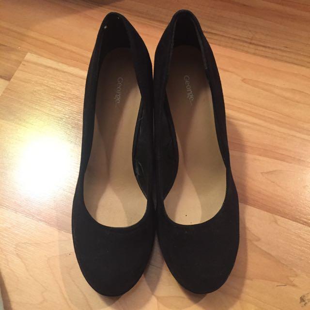 Black Wedges, Size 8