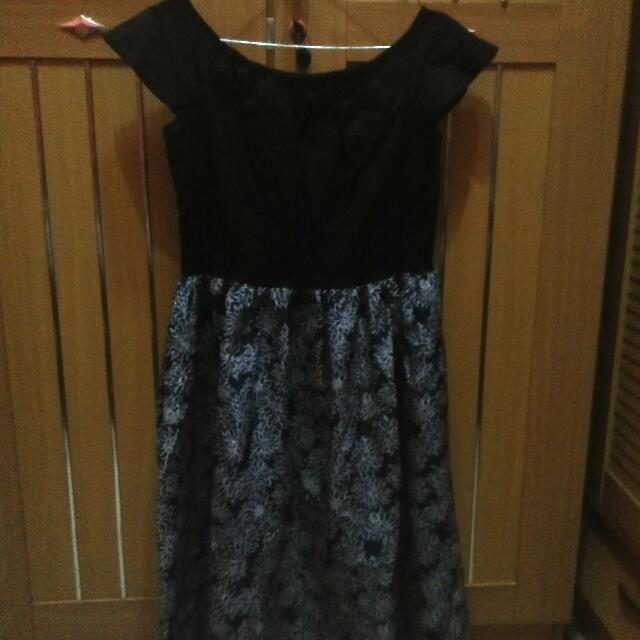 Dress Sabrina / ATASAN