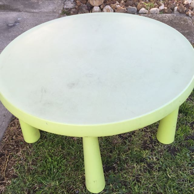 Kid's Table / Small Table/ Garden Table