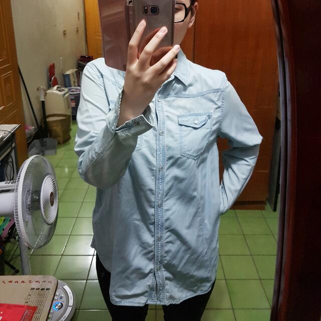Lativ 淺藍色百搭素面襯衫