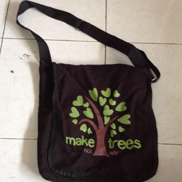 Make trees sling bag