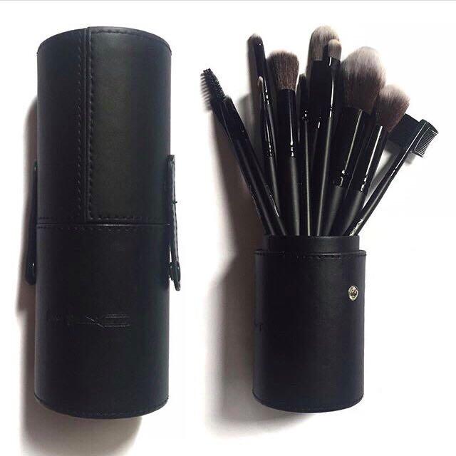 Makeup Brush Set - 12 Pieces
