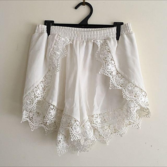 Mika And Gala Shorts Lace Size 8.