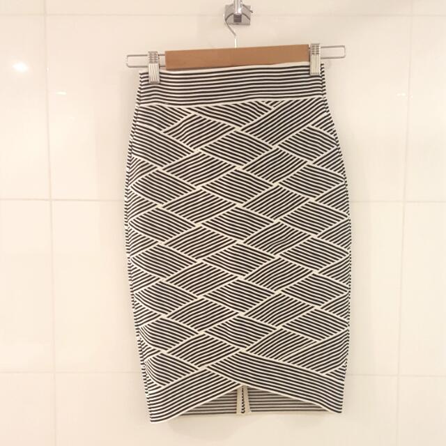 NEW Portman's Pencil Skirt Size 6