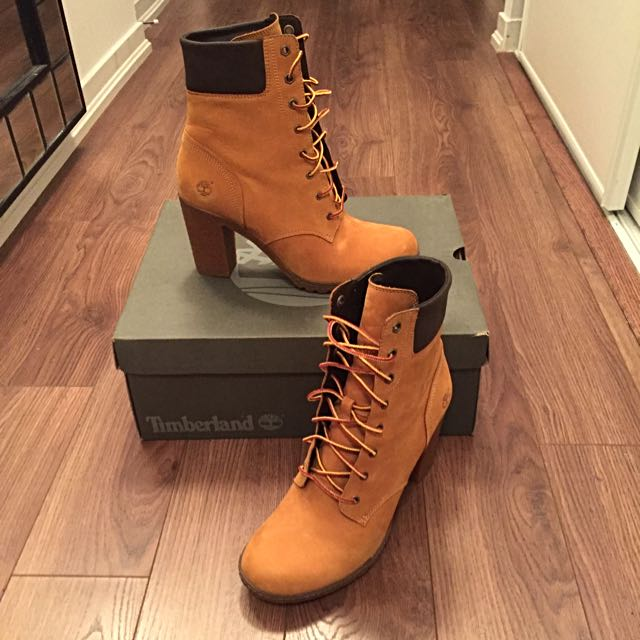 Size 10 Women's Timberland Boots