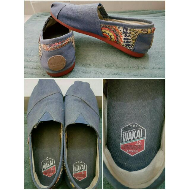 WAKAI BLUE SHOES