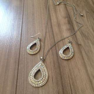 Earrings + Necklace set