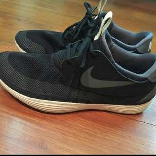 Nike Solarsoft 跑步鞋 走路鞋 運動鞋