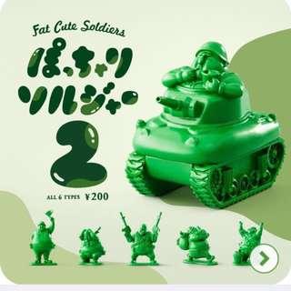 日本 T-ARTS 綠色胖胖兵團P2  扭蛋 轉蛋 坦克