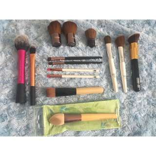 Bulk Lot Of Make Up Brushes