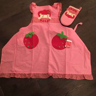 Cute Apron And Oven Mitts