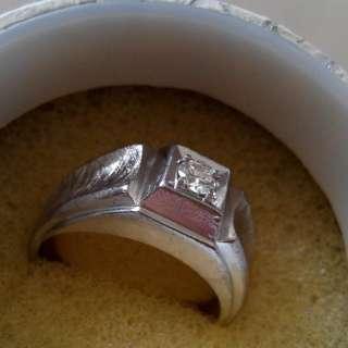 男仕白金鑚石戒指 ,Astor 14k,千真萬確。老友,為自己辛苦工作!買樣靚野给自己,完全值得。(已經半價求售!)