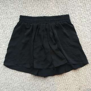 Decjuba Skort/Shorts Size 8